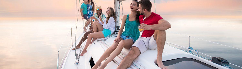 Eine tolle Art, den Urlaub zu geniessen: Segelferien an Bord einer Yacht.